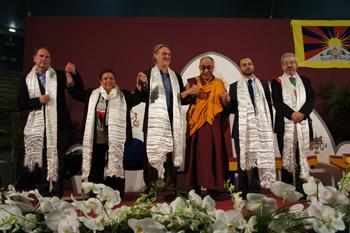 Далай-лама принял участие в конференции конференции «Роль религий в содействии справедливости, миру и защите окружающей среды»
