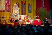 Во время учений Его Святейшества Далай-ламы. Клагенфурт, Австрия. 18 мая 2012 г. Фото: Тензин Чойджор (Офис ЕСДЛ)