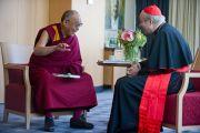 Встреча Его Святейшества Далай-ламы и кардинала Шенборна, архиепископа Вены. Вена, Австрия. 27 мая 2012 г. Фото: Тензин Чойджор (Офис ЕСДЛ)