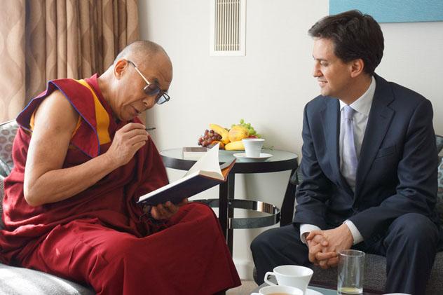Далай-лама встретился с Аун Сан Су Чжи и выступил в лондонском Альберт-холле