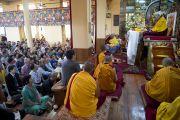 Первый день учений Его Святейшества Далай-ламы для буддистов из Тайваня. Дхарамсала, Индия. 1 октября 2012 г. Фото: Тензин Чойджор (Офис ЕСЛД)