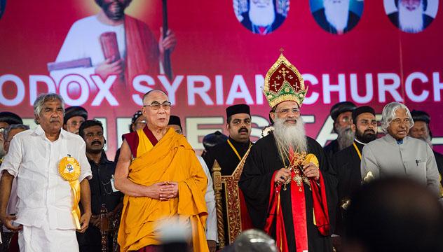Дээрхийн Гэгээн Далай лам Төвдийн анд нөхөд хөдөлгөөнийхэнтэй уулзаж, Сирийн Маланкар Үнэн алдарт шашны 100 жилийн ойд оролцов