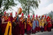 Дээрхийн Гэгээнтэн Далай Лам Раванглад айлчлан ирэхэд лам нар хүндэтгэл үзүүлэн хүлээн авав. 2013.03.24 Зураг/Тэнзин Чойжор/ДЛО
