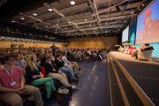 """""""Амар тайван амьдрахуй ба үхэхүй"""" сэдэвт хуралд оролцохоор хүрэлцэн ирсэн хүмүүс хурлын үеэр. Швейцарь, Лузанна. 2013.04.15"""