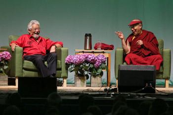 В Портленде Далай-лама принял участие в саммите по вопросам окружающей среды и прочитал лекцию о сострадании