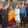 Дээрхийн Гэгээнтэн Далай Лам Дюнэдинд оюутнуудтай уулзаж, Дэлхий нийтийн ёс суртахуун сэдвээр олон нийтэд яриа хийв