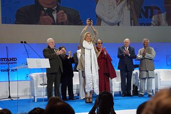 В Варшаве Далай-лама принял участие в тринадцатой встрече лауреатов Нобелевской премии мира
