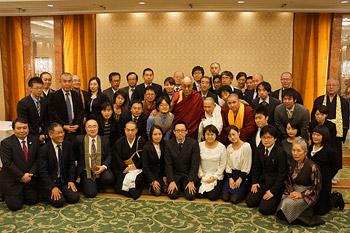 От печали к надежде. Далай-лама побеседовал с японскими буддистами о силе сострадания