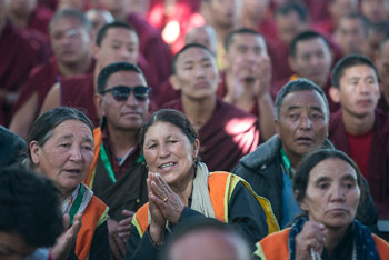 Четвертый день учений Далай-ламы по ламриму в монастыре Сера Чже