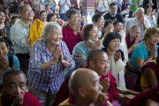 Паломники из разных стран мира на учениях Его Святейшества Далай-ламы в монастыре Сера Чже. Билакуппе, штат Карнатака, Индия. Декабрь 2013 г. Фото: Тензин Чойджор (офис ЕСДЛ)