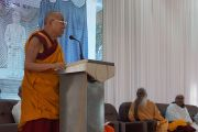 Его Святейшество Далай-лама выступает с речью на праздновании 150-й годовщины со дня рождения Свами Вивекананды. Коимбатур, штат Тамил-Наду, Индия. 7 января 2014 г. Фото: Джереми Рассел (офис ЕСДЛ)