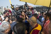 Дээрхийн Гэгээнтэн Далай Лам чуулганы төгсгөлд хэвлэл мэдээлийн төлөөлөгчдийн асуултанд хариулав. Энэтхэг, Ассам, Гувахати. 2014.02.02. Зургийг Дэнзэн Чойжор (ДЛО)
