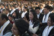 Дээрхийн Гэгээнтэн Далай Ламын илтгэлийг сонсон буй Мартин Лутер Христийн Их сургуулийн төгсөгчид. Энэтхэг, Мегалая, Шилонг, 2014.2.3. Зургийг Дэнзэн Чойжор (ДЛО)