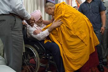 Далай-лама дарует учения в столице Индии
