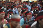Во время посвящение Авалокитешвары, которое Его Святейшество Далай-лама даровал в Тибетской детской деревне. Дхарамсала, Индия. 6 июня 2014 г. Фото: Тензин Чойджор (офис ЕСДЛ)