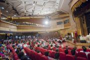 Во время лекции Его Святейшества Далай-ламы в культурном центре Indian Habitat Centre. Дели, Индия. 22 сентября 2014 г. Фото: Тензин Чойджор (офис ЕСДЛ)