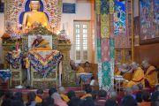 Дээрхийн Гэгээнтэн Далай Лам Монголчуудын хүсэлтээр дөрвөн өдөр үргэлжлэх номын айлдварын эхний өдөр. Энэтхэг, Дарамсала. 2014.12.02. Зургийг Тэнзин Чойжор (ДЛО)