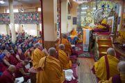 Дээрхийн Гэгээнтэн Далай Лам Монголчуудад зориулан ном айлдаж байна. Энэтхэг, Дарамсала. 2014.12.02. Зургийг Тэнзин Чойжор (ДЛО)