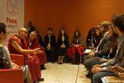 Его Святейшество на встрече с молодыми лидерами в рамках 14-го Всемирного саммита лауреатов Нобелевской премии мира. Рим, Италия. 13 декабря 2014 г. Фото: Джереми Рассел (офис ЕСДЛ)