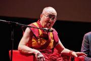 Его Святейшество Далай-лама на встрече с тибетцами и сторонниками Тибета из разных стран Европы. Рим, Италия. 13 декабря 2014 г. Фото: Olivier Adam
