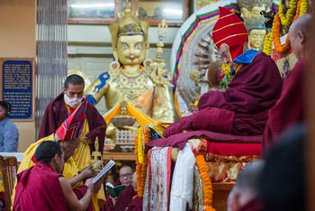 Пять тибетских организаций провели молебен о долголетии Его Святейшества Далай-ламы