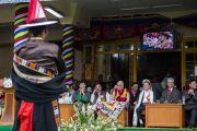 Артист Тибетского института исполнительских искусств (TIPA) исполняет тибетскую народную песню на праздновании 80-летия Его Святейшества Далай-ламы. Дхарамсала, Индия. 21 июня 2015 г. Фото: Тензин Чойджор (офис ЕСДЛ)