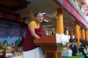 Сакья Дактри Ринпоче произносит речь во время праздничных торжеств по случаю 80-летия Его Святейшества Далай-ламы. Дхарамсала, Индия. 22 июня 2015 г. Фото: Тензин Чойджор (офис ЕСДЛ)