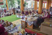 Во время праздничных торжеств по случаю 80-летия Его Святейшества Далай-ламы, организованных обществом Домай. Дхарамсала, Индия. 22 июня 2015 г. Фото: Тензин Чойджор (офис ЕСДЛ)