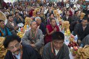 В главном тибетском храме во время праздничных торжеств по случаю 80-летия Его Святейшества Далай-ламы. Дхарамсала, Индия. 22 июня 2015 г. Фото: Тензин Чойджор (офис ЕСДЛ)