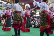Выступление молодых тибетцев во время праздничных торжеств по случаю 80-летия Его Святейшества Далай-ламы. Дхарамсала, Индия. 22 июня 2015 г. Фото: Тензин Чойджор (офис ЕСДЛ)