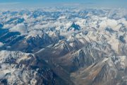 Вид на Гималаи из самолета, на котором Его Святейшество Далай-лама прилетел в Ладак. Ле, Ладак, штат Джамму и Кашмир, Индия. 27 июля 2015 г. Фото: Тензин Чойджор (офис ЕСДЛ)