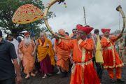 Его Святейшество Далай-лама и Свами Гуру Шарананд-джи в Каршни-ашраме. Тримбакешвар, штат Махараштра, Индия. 30 августа 2015 г. Фото: Тензин Чойджор (офис ЕСДЛ)