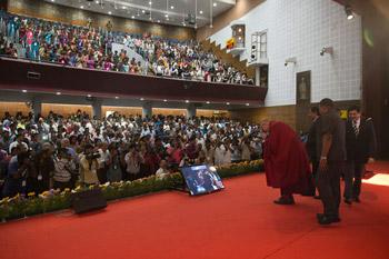 Далай-лама стал почетным гостем на первой церемонии вручения награды Сева Ратна, учрежденной в память об Абдуле Каламе