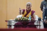 Дээрхийн Гэгээнтэн Далай Лам Мадрасын технологийн сургуульд зочлов. Энэтхэг, Тамил Наду, Мадрас. 2015.11.10