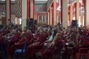 Уг хурлын эхний өдөр лам болон энгийн 900 гаруй хүн хүрэлцэн ирэв. Энэтхэг, Карнатака, Билакуппе, Сера хийд. 2015.12.14. Гэрэл зургийг Тэнзин Чойжор (ДЛО)