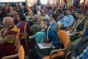 800 гаруй лам нартай хамт уг хуралд оролцсон барууны зочид төлөөлөгчид. Энэтхэг, Карнатака, Хүнсүр. 2015.12.17. Гэрэл зургийг Тэнзин Чойжор (ДЛО)