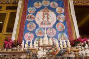Гаадамбын 16 бурханы өмнө бэлдсэн балин тахилууд. Энэтхэг, Карнатака, Билакуппе, Дашлхүнбо хийд. 2015.12.30. Гэрэл зургийг Тэнзин Чойжор (ДЛО)