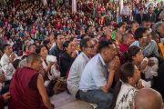 Төвөдийн ард иргэд Дээрхийн Гэгээнтэн Далай Ламын айлдварыг сонсож байгаа нь. Энэтхэг, Карнатака, Билакуппе, Дашлхүнбо хийд. 2016.01.01. Гэрэл зургийг Тэнзин Чойжор (ДЛО)