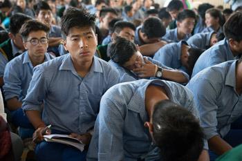 О первом дне учений Его Святейшества Далай-ламы по поэме Дромтонпы «Древо веры. Самопобуждение [к практике]»