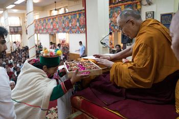 О первом дне учений Его Святейшества Далай-ламы по «Бодхичарья-аватаре» Шантидевы