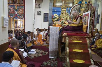 В Дхарамсале прошел третий день учений по поэме Шантидевы «Путь бодхисаттвы»