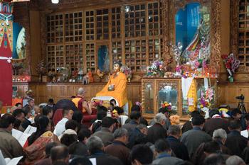В Ле Далай-лама совершил паломничество в храмы различных вероисповеданий