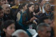 Шивацал ордонд Дээрхийн Гэгээнтний айлдварыг сонсож буй хүмүүс. Энэтхэг, ЖК, Ладак, Лех. 2016.07.25. Гэрэл зургийг Тэнзин Чойжор (ДЛО)