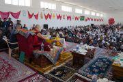 Его Святейшество Далай-лама выступает с лекцией в средней школе Исламия. Ле, Ладак, штат Джамму и Кашмир, Индия. 17 августа 2016 г. Фото: Тензин Чойджор (офис ЕСДЛ)