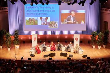 В Брюсселе состоялся первый день конференции «Власть и забота» под эгидой института «Ум и жизнь»