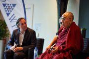 Его Святейшество Далай-лама во время встречи с членами организации «Молодые президенты». Брюссель, Бельгия. 12 сентября 2016 г. Фото: Оливье Адам