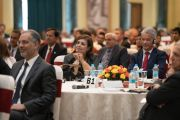 Участники конференции по правам детей в культурном центре Раштрапати-Бхавана слушают выступление Его Святейшества Далай-ламы. Нью-Дели, Индия. 10 декабря 2016 г. Фото: Тензин Чойджор (офис ЕСДЛ)