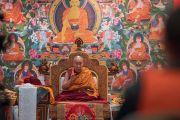Его Святейшество Далай-лама обращается с заключительной речь к участникам учений для буддистов России. Дели, Индия. 27 декабря 2016 г. Фото: Тензин Чойджор (офис ЕСДЛ)