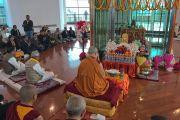 Его Святейшество Далай-лама участвует в молебне в ступе Каруна. Патна, штат Бихар, Индия. 28 декабря 2016 г. Фото: Тензин Такла (офис ЕСДЛ)
