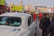 Бодьгаяа хот дахь Их Бодь суварганд мөргөл үйлдэв. Энэтхэг, Бихар, Бодьгаяа. 2016.12.29.
